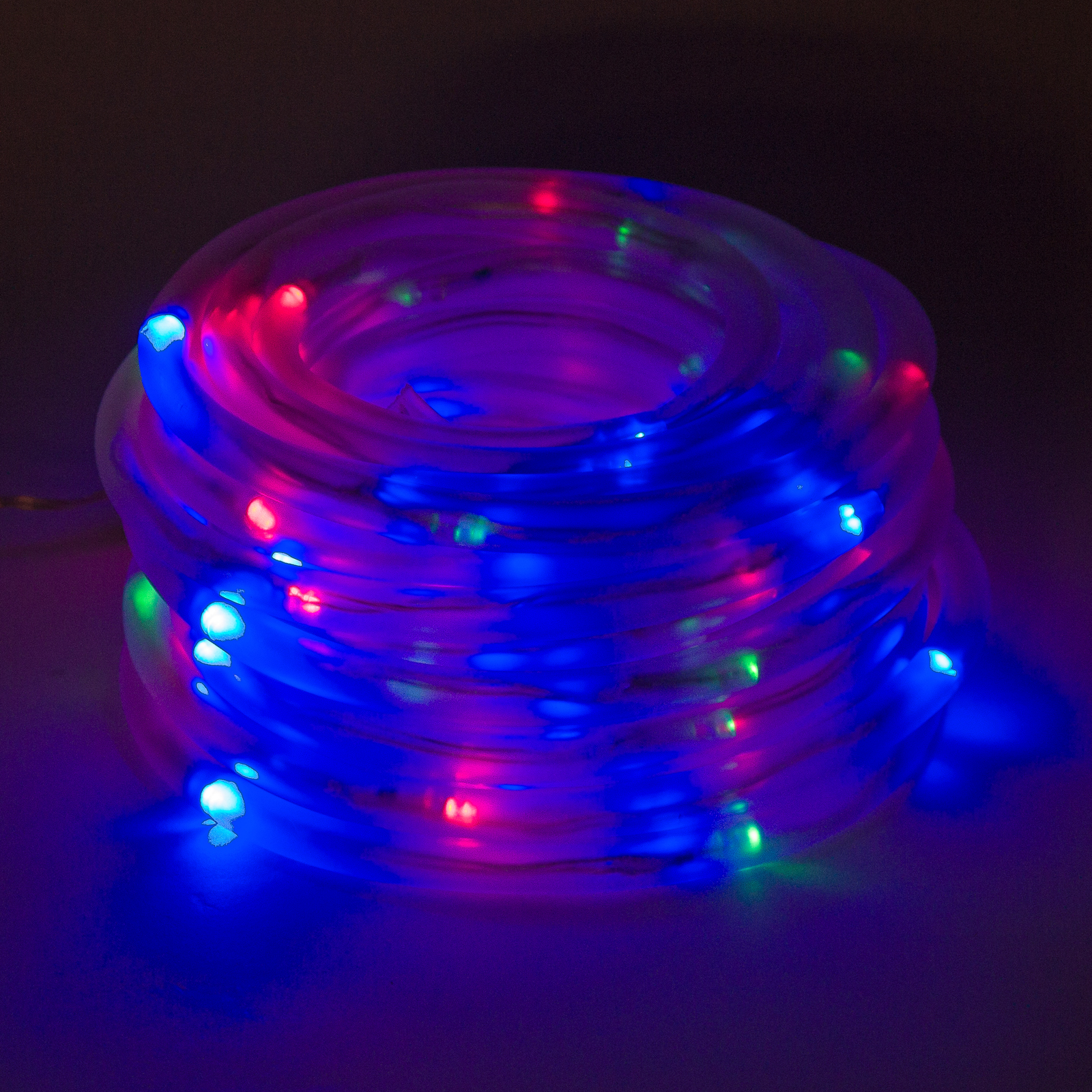 Solar powered 100 red green blue led rope outdoor for Led yard lights
