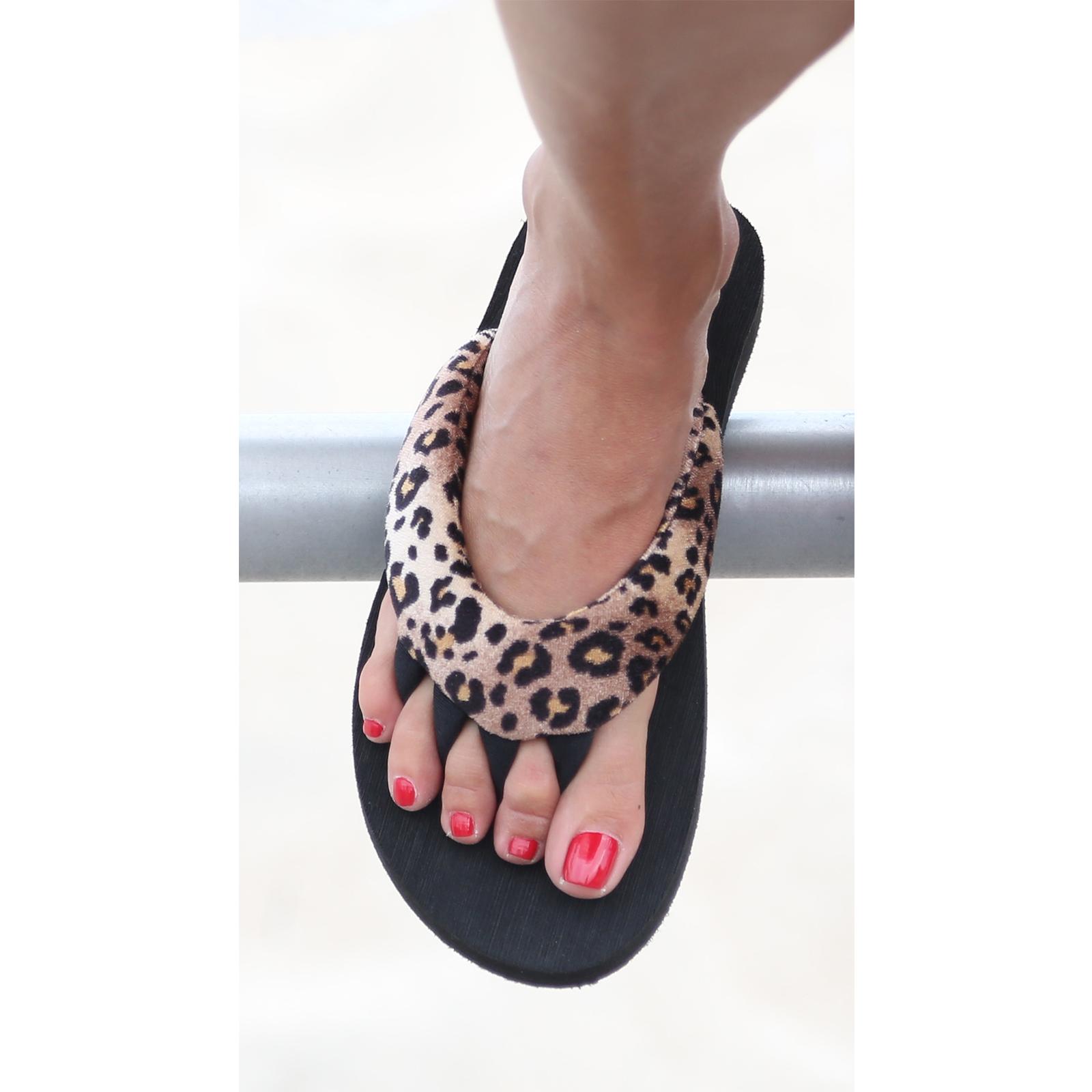 PEDI COUTURE NEW Women's Wild Pedicure Spa Toe Separator ...